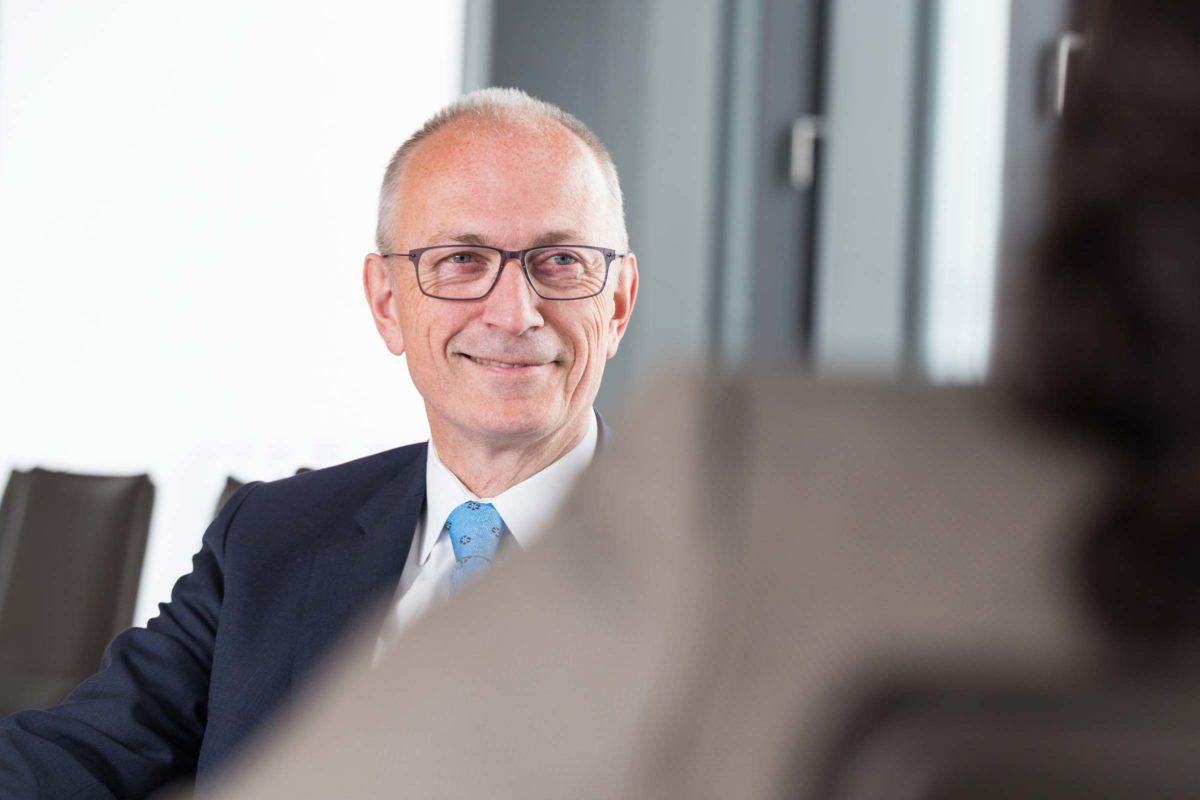 Michael Heesing für den Geschäftsbericht der Handwerkskammer Ostwestfalen-Lippe zu Bielefeld